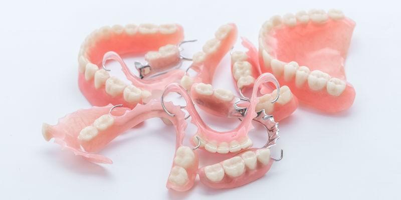 Акрил в стоматологии