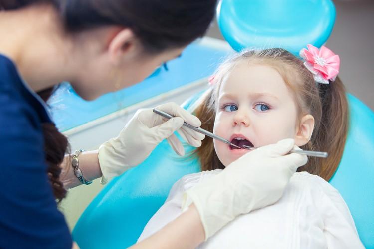 почему отсутствуют зубы у ребенка