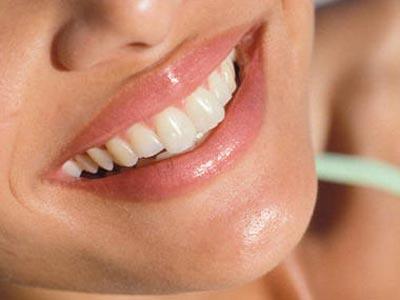 протезируем передние зубы