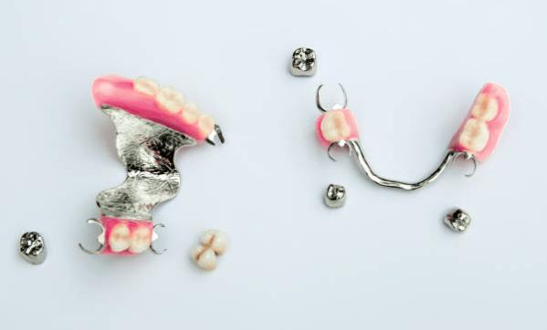 типы съёмных зубных протезов фото