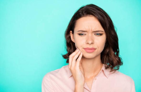 дискомфорт от протеза во рту